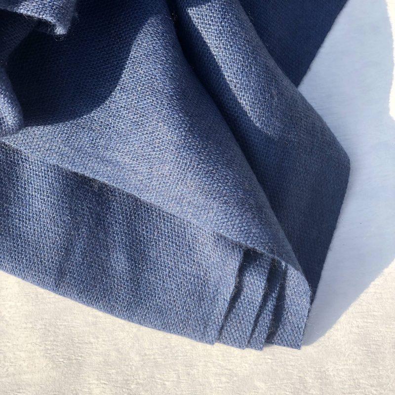 jeansblau hempeline Kaschmirschal naturbelassen