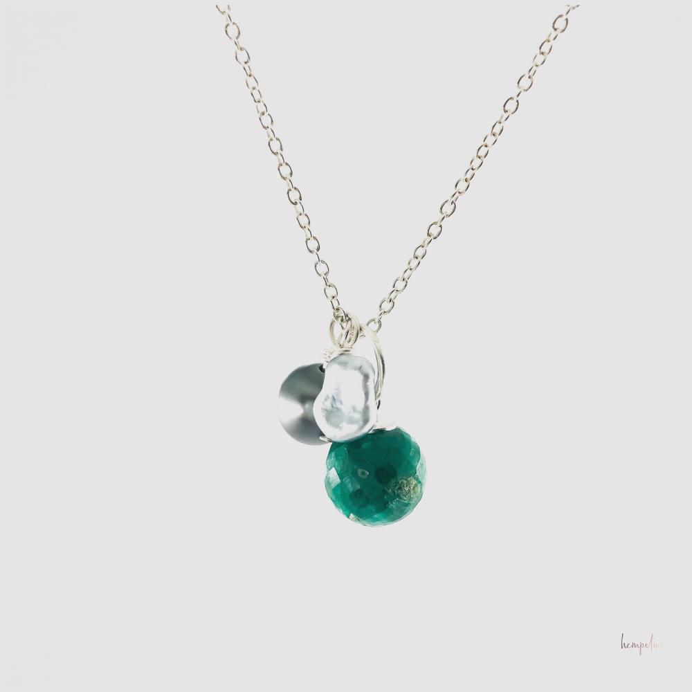 Sterlinsilberkette Smaragd, Tahitiperle, Keshi